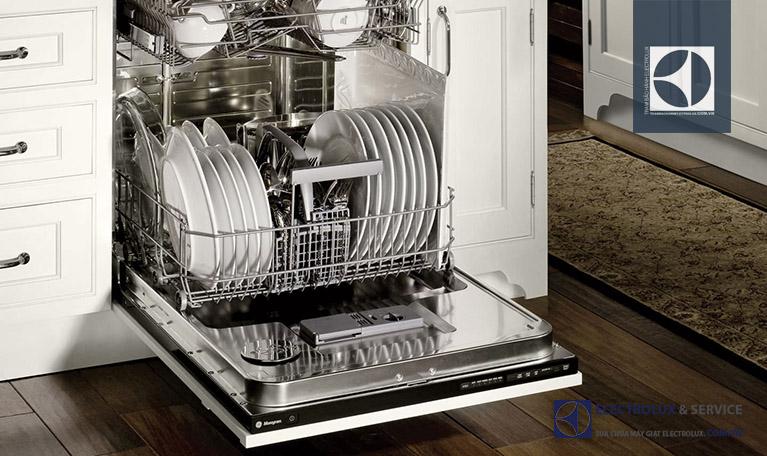 Máy rửa bát Electrolux không chạy là tình trạng máy không hoạt động dù có nguồn và đã ấn khởi động. Đây được đánh giá là lỗi phổ biến ở máy rửa bát Electrolux và được chúng tôi tiếp nhận dịch vụ rất nhiều.
