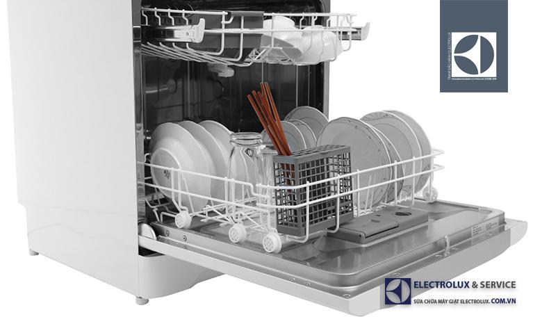Máy rửa bát Electrolux không vào điện, mất nguồn: Phải làm sao?